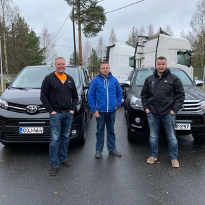 Metsäalan sekä raskaamman kaluston myynnin ammattilaisille uusi Hilux ja uusi Proace. Autoliike Koskinen kiittää ja kumartaa Kes...